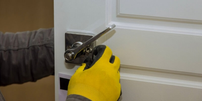 How To Secure Professional Locksmith House Services