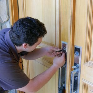 What Services Does A Locksmith Offer?